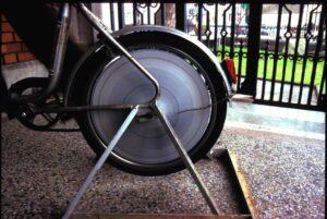 Mental Exercise // Bicycle, Steel, Wheel Disc's, Enamel Paint // 110 x 160 x 50 cm // 1996
